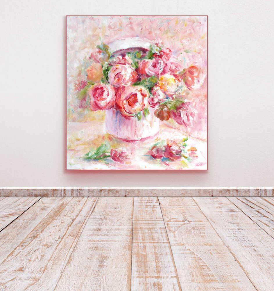 картина с цветами в шляпной коробке