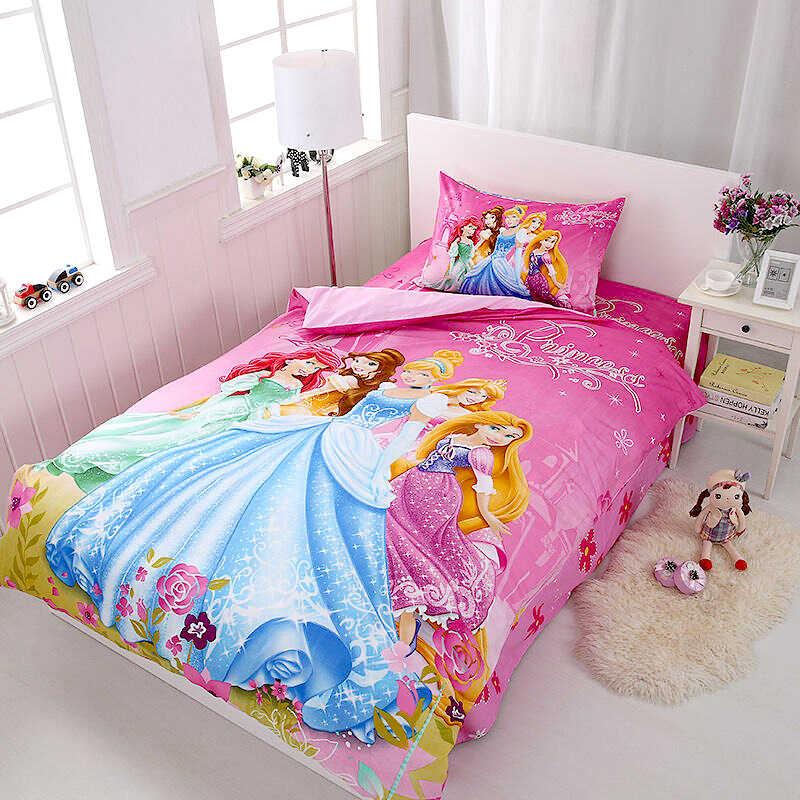 комплект постельного белья девочке героини мультфильма на розовом фоне