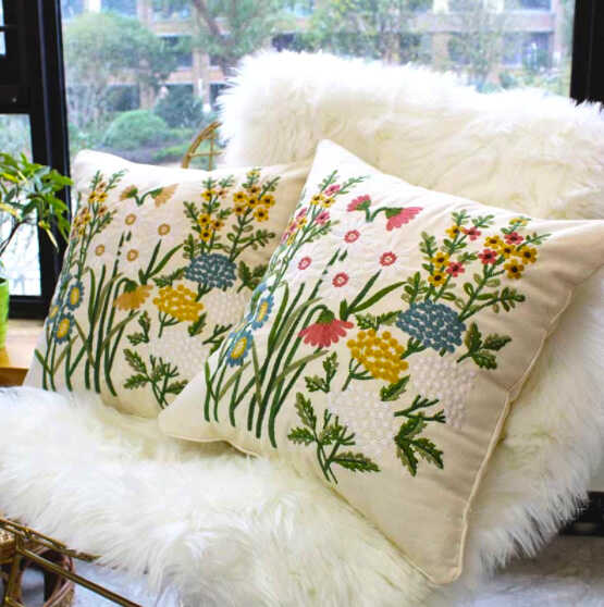 подушки с цветочной вышивкой купить