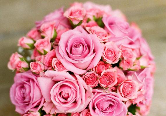 что подарить маме на юбилей 60 лет букет из нежных роз